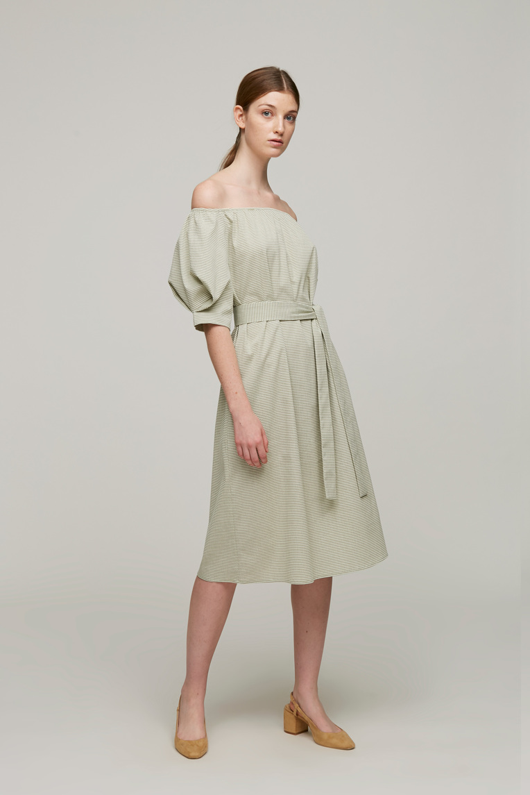 Seersucker Pleat Sleeve Dress
